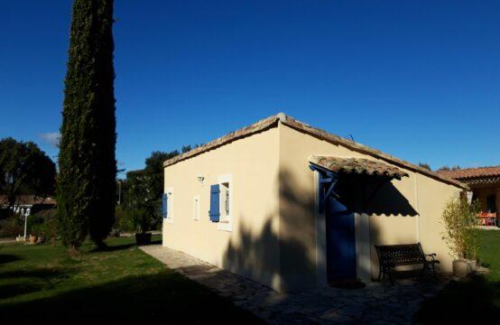 Maison en pierres T2 de 31 m² avec jardin