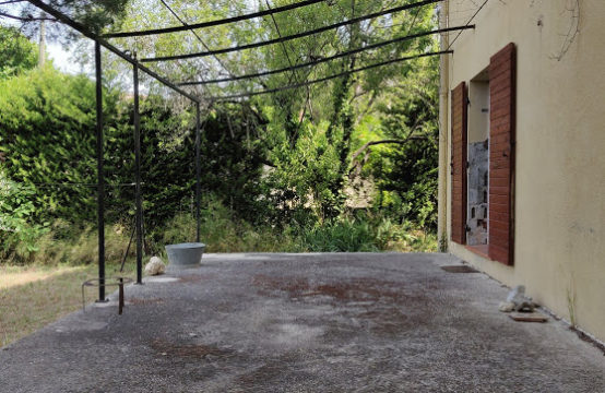Bas de villa T3/4 de 88 m² avec terrasse
