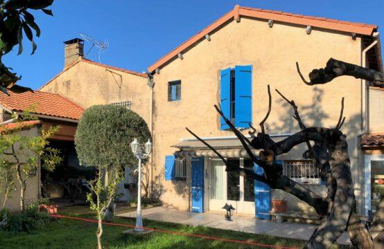 Gde maison de ville mitoyenne de 184 m²