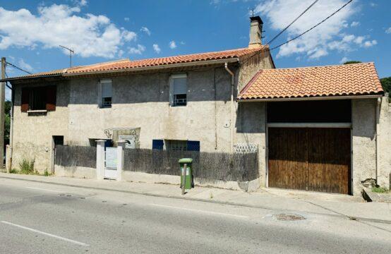 Maison de ville T3 de 75 m² à rénover